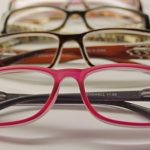 【花粉症対策メガネ】おしゃれで可愛いメガネが大人気!おすすめ3選